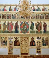 Центральный иконостас Богоявленского собора. (Написан в Иконописной школе Московской духовной академии).