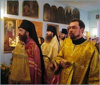 Архиепископ Ростислав совершил Божественную литургию в Покровском храме г. Асино