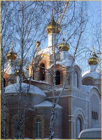 На строящийся храм Вознесения Господня в г.Колпашево установлены купола