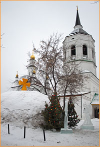Рождественский вертеп из снега возведён в  Богородице-Алексиевском монастыре
