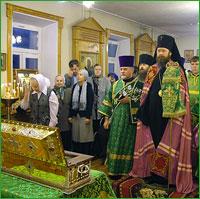 Архиепископ совершил Божественную литургию в храме прп. Серафима Саровского г.Северска в день престольного праздника