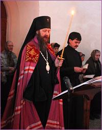 Архиепископ Ростислав совершил повечерие с чтением Великого покаянного канона в Богородице-Алексиевском монастыре