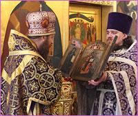 В честь Дня Ангела архиепископу Ростиславу духовенство и верующие Томской епархии преподнесли старинную икону