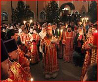 Томичи встретили день Светлого Христова Воскресения за Пасхальным богослужением