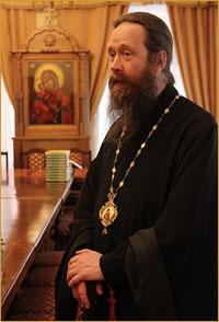 Студенты, молодёжь и школьники поздравили архиепископа Ростислава с Пасхой