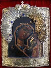 3 ноября, в канун престольного праздника, в Томский Богородице-Алексиевский монастырь принесен древний список чудотворной Казанской иконы Пресвятой Богородицы