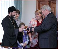 Семья томского священника награждена знаком отличия «Родительская доблесть»