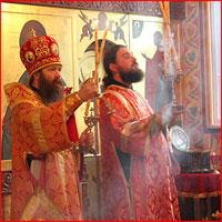 В день памяти св. великомученика и целителя Пантелеимона архиепископ Ростислав совершил Божественную литургию в Богоявленском соборе г.Томска