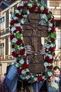 14 августа Православная Церковь празднует Происхождение (изнесение) Честных Древ Животворящего Креста Господня