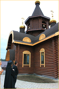 Архиепископ Ростислав посетил строящийся храм в п. Заварзино