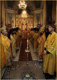 Соборное служение Божественной литургии в Петропавловском соборе г.Томска (фото)