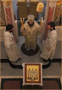 Архиепископ Ростислав совершил Божественную литургию в Богородице-Алексиевском монастыре