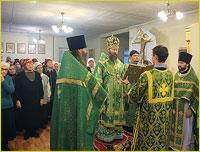 Архиепископ Ростислав совершил Божественную литургию в храме прп. Серафима Саровского г.Северска