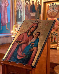 Архиепископ Ростислав возглавил богослужения в Богоявленском соборе в праздник Иверской иконы Божией Матери