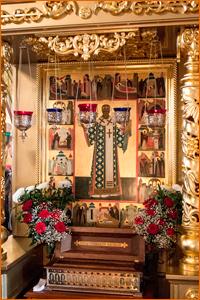 В день памяти святителя Макария (Невского) архиепископ Ростислав возглавил богослужения в Богоявленском кафедральном соборе