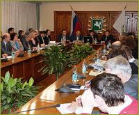 Представитель Томской епархии сделал доклад на круглом столе Общественной палаты Томской области, посвященном проблемам  межнационального согласия