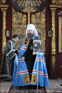 Митрополит Ростислав возглавил богослужение в Петропавловском соборе