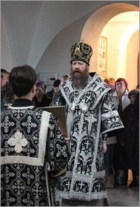 В митрополит Ростислав возглавил богослужение в Знаменском храме г.Томска