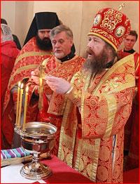 Митрополит Ростислав возглавил богослужение в Богородице-Алексиевском монастыре