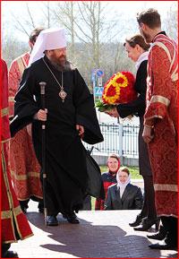 Митрополит Ростислав возглавил богослужение в Богородице-Владимирском храме г.Северска