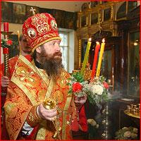 Во вторник Светлой седмицы управляющий Томской епархией совершил богослужение в Свято-Троицкой церкви г.Томска