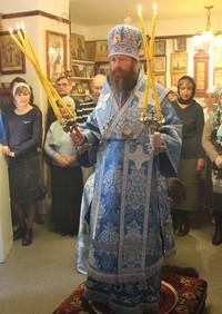 Митрополит Ростислав совершил Божественную литургию в храме в честь иконы Божией Матери «Целительница»