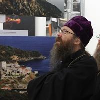 Архиереи Томской митрополии посетили выставку «Наш Афон» в Доме художника