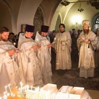 В Димитриевскую родительскую субботу в храмах епархии прошли заупокойные службы