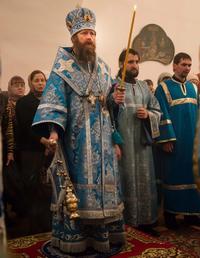 Митрополит Ростислав совершил Всенощное бдение в Богородице-Алексиевском монастыре
