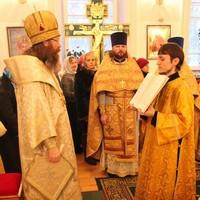 Митрополит Ростислав возглавил Божественную литургию в храме благоверного князя Александра Невского