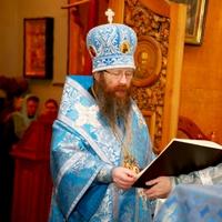 Митрополит Ростислав совершил Божественную литургию в Знаменском храме г.Томска