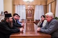 В здании Епархиального управления состоялась встреча  митрополита Ростислава и Виктора Ивановича Калюжного