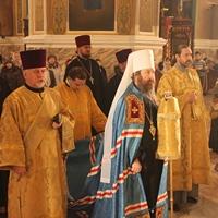 Митрополит Ростислав совершил Литургию в Петропавловском соборе Томска