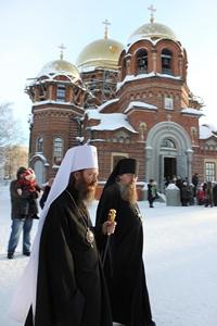 Митрополит Ростислав совершил Божественную литургию в Петропавловском соборе г.Томска