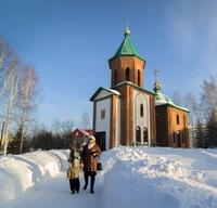 Митрополит Ростислав совершил Литургию в селе Октябрьское Томского района