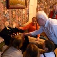 Рождественскую радость подарили учащиеся Воскресной школы ветеранам Войны