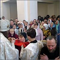 Первая Божественная Литургия, за которой множество прихожан причастились Святых Христовых Таин