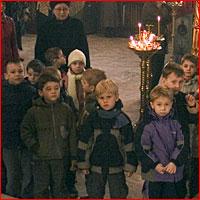 Воспитанники подшефного детского сада на Божественной литургии в Петропавловском соборе