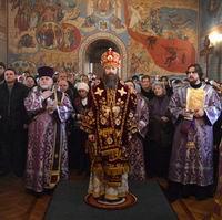 Митрополит Ростислав совершил Божественную литургию и последование Недели Православия в Богоявленском кафедральном соборе