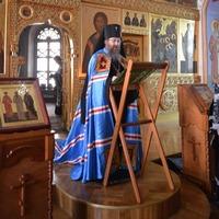 Митрополит Ростислав совершил утреню с чтением Великого покаянного канона