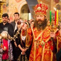 В праздник Светлого Христова Воскресения митрополит Ростислав возглавил пасхальное богослужение в Богоявленском соборе г.Томска