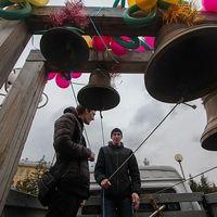 На площади Новособорной прошли народные гуляния «Светлая Пасха»