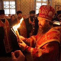 В Томск доставлен Благодатный огонь