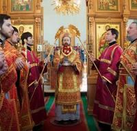 В cреду Cветлой cедмицы митрополит Ростислав возглавил богослужение в Знаменской церкви  г. Томска