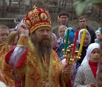 В светлый понедельник митрополит Ростислав совершил Литургию в Петропавловском архиерейском соборе