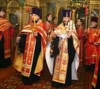 В Светлый вторник митрополит Ростислав возглавил вечернее богослужение и Свято-Троицкой церкви