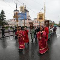Общегородской Крестный ход прошел в Томске в день святых равноапостольных Кирилла и Мефодия