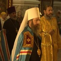 В день памяти равноапостольного князя Владимира митрополит Ростислав совершил Божественную литургию в Петропавловском соборе г. Томска