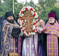 В канун праздника Происхождения Честных Древ Животворящего Креста Господня в Томске был совершен общегородской Крестный ход
