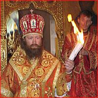 Встреча Благодатного огня в Богоявленском Кафедральном Соборе в 2005г.